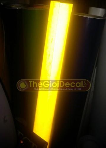 Decal phản quang trang trí màu vàng